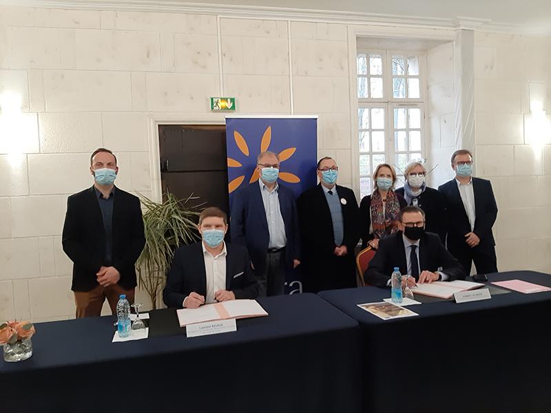 signature de la charte de coopération