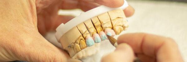 travail d'un dentier
