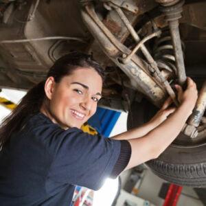 apprentis mécanicienne auto