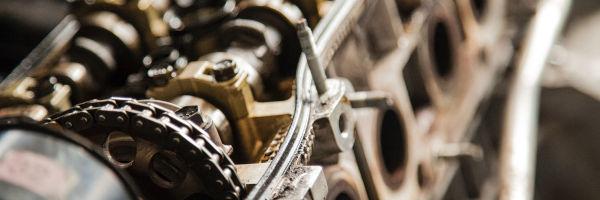 gros plan d'un moteur de moto