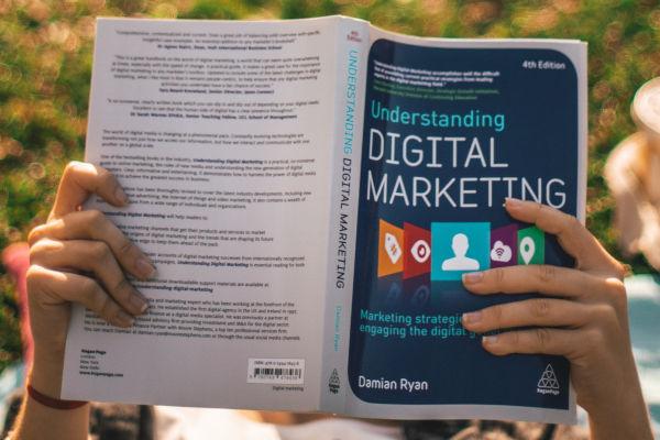 couverture de livre sur le marketing digital
