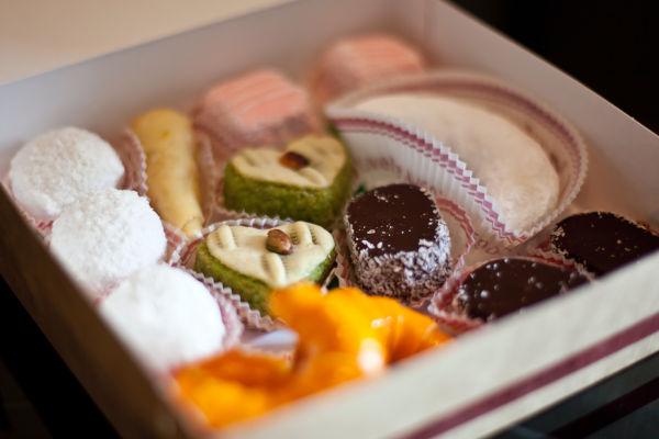 boîte de pâtisseries orientales
