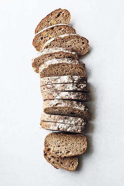 pain découpé en tranches