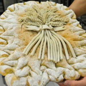 pain artisanal décoré par un artisan