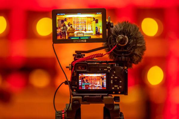 caméra en train de filmer