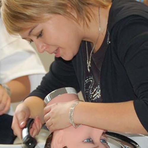 coiffeuse en apprentissage